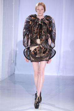 Haute Couture Осень 2011 Взлетно-Посадочной Полосы - Paris Haute Couture Fashion Week