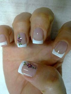 Wedding Nails-A Guide To The Perfect Manicure – NaiLovely French Manicure Nails, French Tip Nails, Fingernail Designs, Toe Nail Designs, Fancy Nails, Pretty Nails, Neutral Nails, Flower Nails, Creative Nails