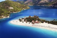 Oludeniz beach - best beaches in Turkey on GlobalGrasshopper.com