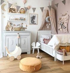 Filippa's Scandinavian Bedroom full of Vintage Finds - Babyzimmer Girls Bedroom, Baby Bedroom, Childrens Bedrooms Girls, Kids Bedroom Lights, Cool Kids Bedrooms, Ideas Habitaciones, Nursery Decor, Room Decor, Nursery Ideas