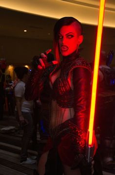 Galaxy Fantasy: Cosplay: Siniestro Sith femenino y video de la DragonCon