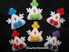 felt chickens pins or magnets Kids Crafts, Book Crafts, Easter Crafts, Felt Crafts, Fabric Crafts, Sewing Crafts, Christmas Crafts, Craft Projects, Sewing Projects