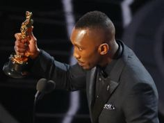 Mahershala Ali Becomes First Muslim to Win Acting Oscar