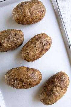 Twice Baked Potatoes Easy Twice Baked Potatoes, Baked Potato Recipes, Brown Rice Cooking, Perfect Baked Potato, Fluffy Mashed Potatoes, Fresh Chives, Side Dishes Easy, Cheddar Cheese, The Best