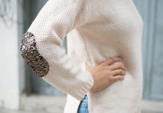 Comfy and cozy white sweater with sequin patch Diy Pullover, Alter Pullover, Elbow Patch Sweater, Elbow Patches, Sequin Crafts, Costura Diy, Do It Yourself Fashion, Sequin Patch, Diy Couture