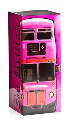 The largest tin in the So British collection, the design features a traditional London bus