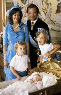.My aunt from Sweden sent me this same picture on a postcard many years ago after the second princess was born.