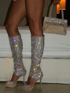 **huge HUGE sigh*** i want them...