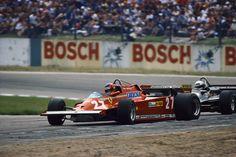 Gilles Villeneuve, foi um dos meus primeiros idolos na F1. Seu estilo de pilotagem, extremamente agressivo, despertou muito cedo minha at...
