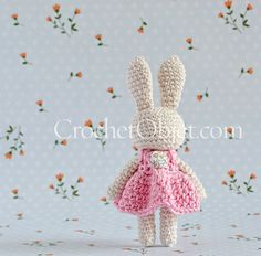 Mini 'pretty in pink' – A baby bunny dress pattern – CrochetObjet by MoMalron