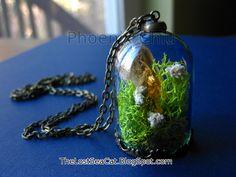 Terrarium jewelry Citrine pendant Crystal  Miniature terrarium necklace Real moss necklace Wearable Plant Necklace Gemstone jewelry Lichen