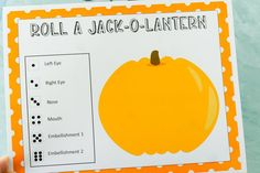 Free printable Halloween game for children! See who can roll a jack o lantern with this cheap and easy Halloween game for kids! Classroom Halloween Party, Halloween Games For Kids, Halloween Bags, First Halloween, Halloween 2020, Easy Halloween, Halloween Treats, Minecraft Pumpkin, Pumpkin Games