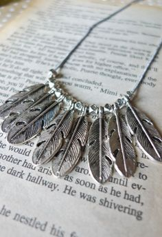 Necklace de Plume - Necklace - Accessory - Retro, Indie