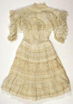Dress  Date: 1908 Culture: American