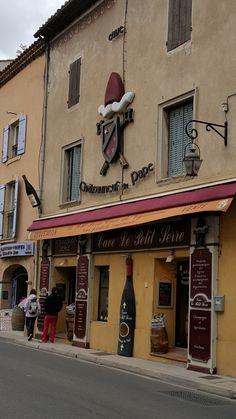 Provence, Chateauneuf Du Pape, France Photos, Personal Photo, Barcelona, Places, Barcelona Spain, Aix En Provence, Lugares