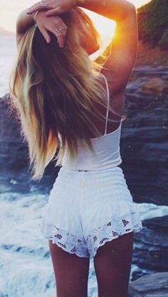 High waisted white lace shorts! If you like my pins, please follow me and subscribe to my fashion channel on youtube! It's free! Let me help u find all the things that u love from Pinterest! https://www.youtube.com/channel/UCCP8TXebOqQ_n_ouQfAfuXw