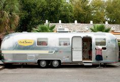 Happy Day Vintage: Mobile Home Monday - Airstream turned Dress Shop