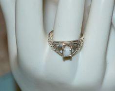 Vintage Sterling Silver 925 - Filigree Design White Stone Ring Size 9