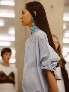 Statement earrings transform a basic workwear // Céline SS17