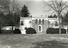 The Frith located in Biltmore Forest, NC.a gift from Edith to Cornelia. Current residence of William A. Cecil, son of Cornelia. Sanford North Carolina, Nc Waterfalls, Old Mansions, Biltmore Estate, Places To See, Around The Worlds, Bourgeoisie, Gilded Age