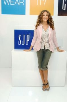 2004; Sarah Jessica Parker in-store Appearance at The GAP