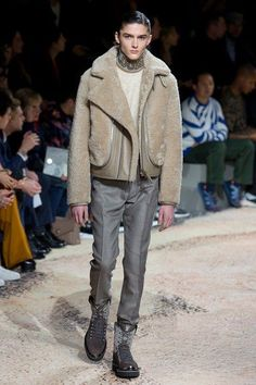 See the full Fall 2018 menswear collection from Louis Vuitton. #MensFashion2018