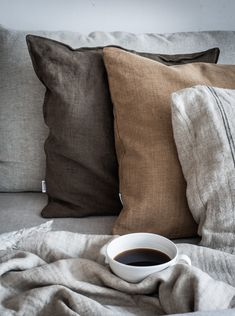 my scandinavian home: My Autumn Sitting Room Makeover ( A Discount! Scandinavian Pillows, Scandinavian Interior, Autumn Interior, Passion Deco, Brown Pillows, Brown Bedding, Linen Pillows, Linen Bedding, My New Room
