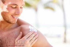 Nam giới nên dùng loại kem chống nắng không gây bệt trắng trên da