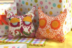 "For a photo shoot of our owl couple baby shower decor, I recently made a few plush owls… perfect for birthday party favors or as gifts for the little one that is soon to arrive. And the best part, you could even make these as a ""no sew"" project! Mine are sewn, but I'm just saying… …"