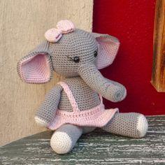 Crochet Animal Patterns, Stuffed Animal Patterns, Crochet Animals, Crochet African Flowers, Crochet Elephant, Baby Shawer, Crafty Craft, Crochet Projects, Teddy Bear
