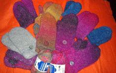 Huopatumput. Huovutus rumpukuivaajalla. Felted mittens using tumble dryer. Mummin vuodenajat: Miun oma villakammari - My wool chamber