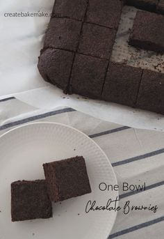 The BEST Brownies Recipe! Easy One Bowl Chocolate Brownies Recipe. Both regular and Thermomix instructions included. Yummy Easter Recipes, Fun Easy Recipes, Sweet Recipes, Best Brownie Recipe, Brownie Recipes, Fun Desserts, Delicious Desserts, Dessert Recipes, Best Brownies