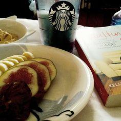 #breakfast #healthy #fruits #figs #banana #homemade #peanutbutter #starbucks #coffee #weekend #reading #adulting #enjoy #relax #Padgram