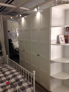 Шкаф в спальню Икеа