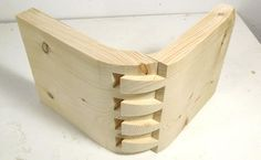 Impossible looking dovetail joint Carpentry And Joinery, Woodworking Joints, Woodworking Workshop, Woodworking Techniques, Woodworking Shop, Woodworking Plans, Woodworking Projects, Furniture Projects, Wood Projects