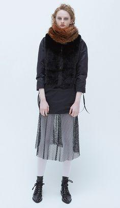 トーガ プルラ(TOGA PULLA) 2016-17年秋冬 コレクション Gallery12 Toga Pulla, Fashion 2017, Womens Fashion, Yohji Yamamoto, Winter Collection, Well Dressed, Stylists, My Style, Black Style