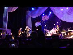 Wilco - covers Daft Punk- Get Lucky - Music Stuff, My Music, Music Things, Daft Punk Faces, Thomas Bangalter, Punk Art, 21st, Entertaining, Guys