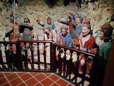 Ermita de San Sebastian. Cripta de los Judíos. Ya en 1580 existía en la Ermita de San Sebastian un amplia Cripta que albergaba los pasos del Viacrucis, hoy conocidos como los judíos.