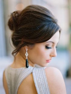 Consider me smitten with this edgy modern wedding shoot from Allen Tsai Photography and Meggie Francisco Events! Wedding Hairstyles For Women, Easy Hairstyles For Long Hair, Elegant Hairstyles, Up Dos For Medium Hair, Medium Hair Styles, Long Hair Styles, Headpiece Wedding, Wedding Updo, Wedding Shoot
