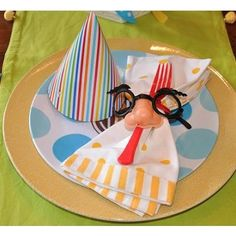 April Fool's Dinner party....think I will do this for the kids this year, looks cute!