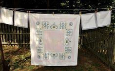 Vintage Mid-Century Tablecloth & Napkin Set / by CicelysCloset