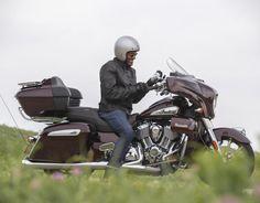7 consejos para comprar tu primera moto | Motoqueros.Cl Motorcycle, Vehicles, Entertainment System, Gloss Paint, Saddle Bags, Custom Bikes, Cruise, Tips, Motorcycles