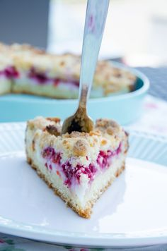 Himbeer Kokos Streuseltorte // Raspberry Coconut Crumble Cake // Full of gorgeous flavours // Baking Barbarine