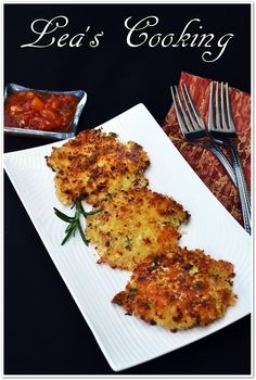 """Leas Cooking: """"Green Onion Cauliflower Fritters"""" This is an unusual but delicious way to eat cauliflower. My kids really enjoyed this recipe. Serve these Cauliflower Fritters with chutney or salsa for an easy meatless meal. Side Recipes, Raw Food Recipes, Vegetarian Recipes, Cooking Recipes, Healthy Recipes, Paleo Food, Veggie Side Dishes, Vegetable Dishes, Vegetable Recipes"""
