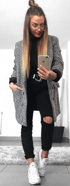 These stylish and trending Winter Outfit Ideas are so genius that keeps you so comfortable and warm in the season. You can wear them all the day when you step out. Stylish Winter Outfits. #comfortFashion
