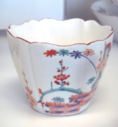porcelans | Description Chocolate cup Chantilly porcelain 18th century.jpg