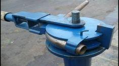 Metal Bending Tools, Metal Working Tools, Garage Tools, Diy Garage, Welding Projects, Projects To Try, Roll Bending, Barn Door Hinges, Metal Bender