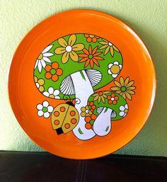 Vintage Orange Mushroom Serving Tray by sprocketdesign on Etsy Vintage Tins, Vintage Dishes, Vintage Love, Retro Vintage, Orange Mushroom, Mushroom Decor, Retro Home, Pottery Painting, Organizer