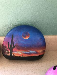 Desert sunset painted rock - All For Garden Cactus Painting, Pebble Painting, Pebble Art, Stone Painting, Painted Rock Cactus, Painted Rocks Craft, Hand Painted Rocks, Rock Painting Patterns, Rock Painting Ideas Easy