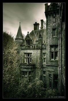 The Castle of Miranda - also known as Castle of Noisy or Home de Noisy - located not far from Dinant in Belgium, is abandoned since 1991 by DavidHR, via Flickr